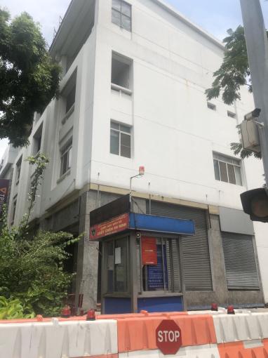 Cần cho thuê nhà phố kinh doanh góc Mỹ Toàn 3, Phú Mỹ Hưng, Quận 7, giá thuê 200tr. LH: 0907894503