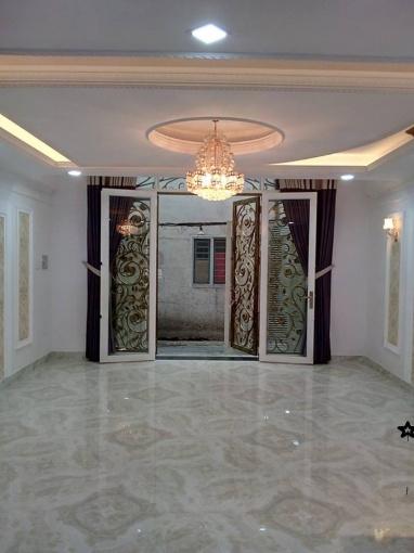 Nguyên căn Huỳnh Văn Bánh, Phú Nhuận, DT 37m2 x 5 Tầng, giá 19 triệu/tháng