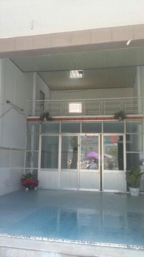 Cho thuê nhà nguyên căn MT Lê Hồng Phong, DT 125m2, giá 15 tr/tháng, nhà đẹp, LH 0942097997