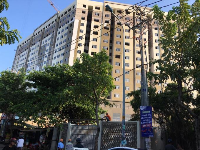 Cần bán căn hộ chung cư Bình Tân ! Giá 1.9 tỷ 2 phòng ngủ. Tiện ích đầy đủ.