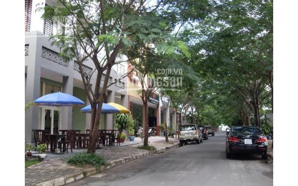 Cho thuê nhà phố Hưng Gia Hưng Phước trung tâm Phú Mỹ Hưng nhiều tiện ích đi kèm