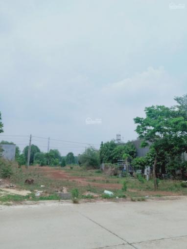 Cần bán 300m2 đất thổ cư mặt tiền đường 16m vị trí đẹp, gần chợ