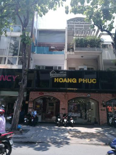 Bán gấp nhà MT đường gần Thái Văn Lung, P Bến Nghé, Q1, DT: 5,4 x 38m. 75 tỷ TL