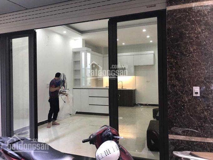 Cần bán gấp nhà ngõ 86 Hào Nam, Cát Linh, Ô Chợ Dừa, Đống Đa, DT 50 m2 x 5 tầng mới, giá 5,55 tỷ