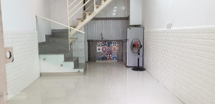 Cho thuê nhà nguyên căn hẻm 123 Cao Thắng, Quận Phú Nhuận. Diện tích: 3x9m, 1 lầu, 10tr/th