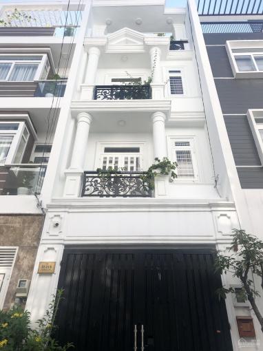 Bán nhà gần ĐH Ngân Hàng, chợ Thủ Đức đường Hoàng Diệu 2 xây 4 tầng, giá 5.5 tỷ
