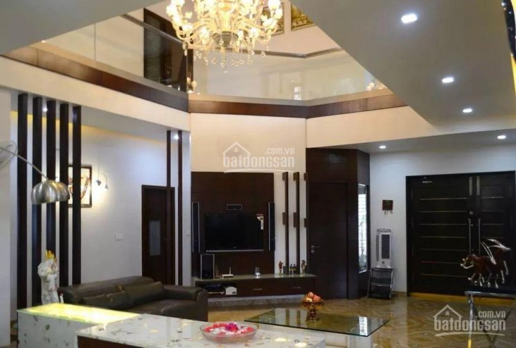 Bán gấp nhà Hai Bà Trưng, Q3 1 lửng 6 lầu 5.2x20m giá 35.5 tỷ thương lượng chính chủ, 0904251934