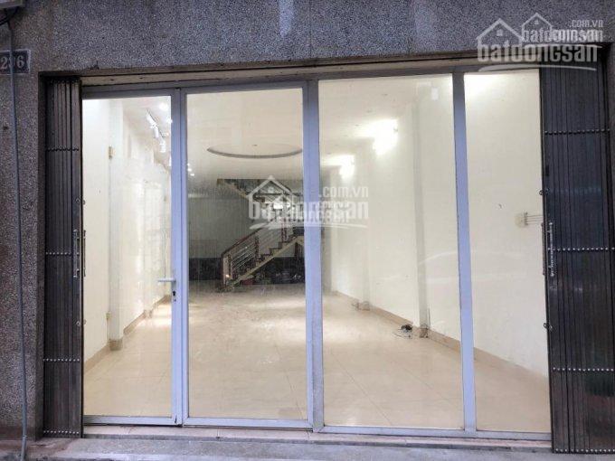Cho thuê cửa hàng mặt phố Hàng Da vị trí đẹp, DT 35m2, MT 6.4m, giá 35tr/th, LH em Hiếu 0974739378