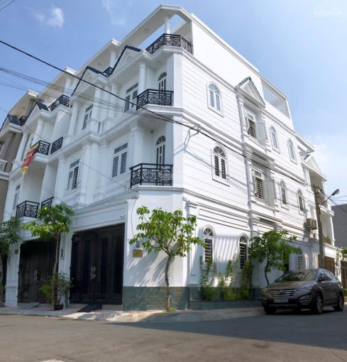 Chính chủ bán nhà 4 tầng, DTSD 200m2, gần Vincom Võ Văn Ngân, Thủ Đức