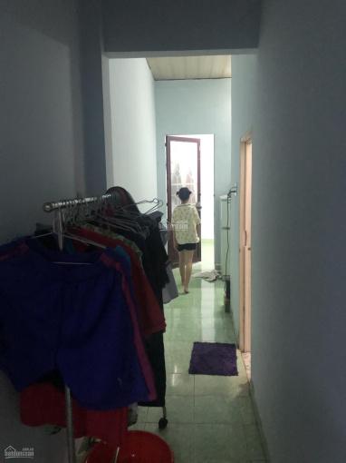 Chính chủ cho thuê nhà KDC Hiệp Thành 2, có 2 phòng ngủ, phía trước để được ô tô, LH 097 559 5679