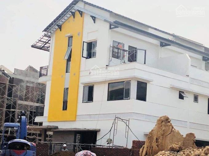 Cần vốn kinh doanh bán rẻ căn nhà mới mua khu đô thị Belhomes Vsip, DT 90m2 3 tầng. LH 0973443469