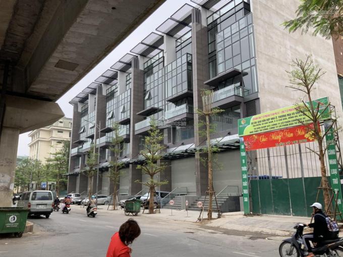 Shophouse đường Hào Nam mặt tiền 7m, đẹp, tiện kinh doanh, LH 0903533737 sổ hông trao tay