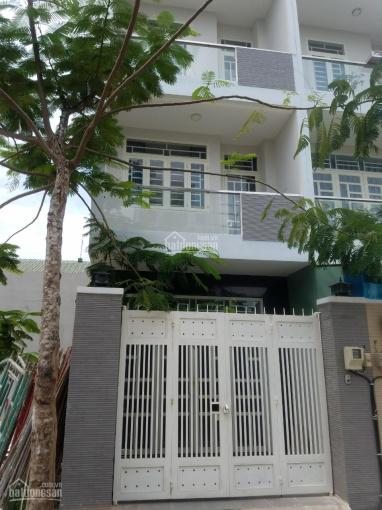 Bán gấp nhà Quận 9, 1 trệt, 2 lầu, DTSD 150m2, sổ hồng, hoàn công, giá 3,15 tỷ, LH 0909988312