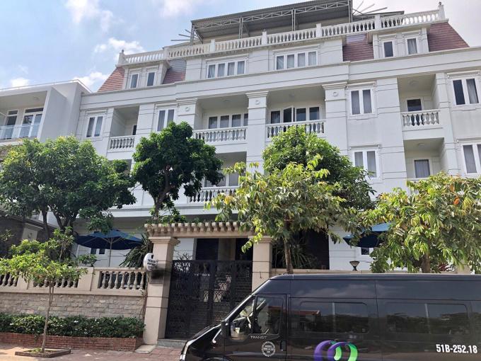 Biệt thự khu Thảo Điền siêu đẹp, cách mặt tiền đường Nguyễn Văn Hưởng chỉ 60m