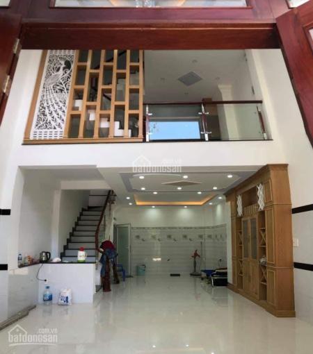 Nhà MT 131A Thành Thái, Q10, 6x10m, 2 tầng, 40tr/th. 077.56.179.56 cô Hoa chủ nhà, MTG
