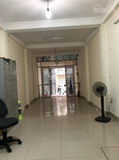 Cho thuê nhà ngõ phố Tân Mai ô tô đỗ cửa, DT 60m2 x 5 tầng, giá 15 triệu/tháng