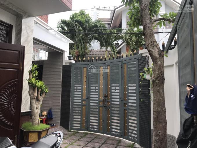 Biệt thự ngay Vincom Thủ Đức DT 90m2, sàn 180m2 sổ hồng hoàn công đầy đủ nhà 2 mặt tiền đường ô tô