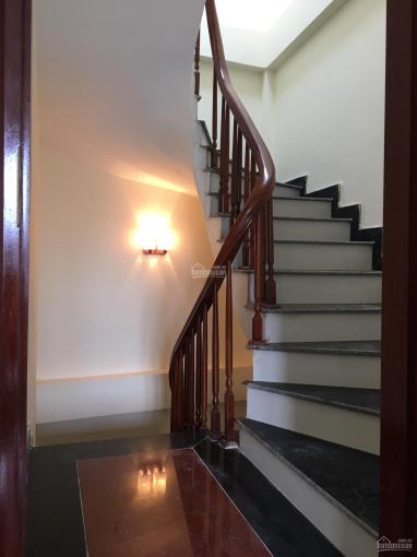 Cần bán nhà 37 ngõ Quỳnh, Thanh Nhàn, HBT. Nhà mới lắp đủ NT, DT rộng 42m2x5T, sổ đẹp giá 3,5tỷ