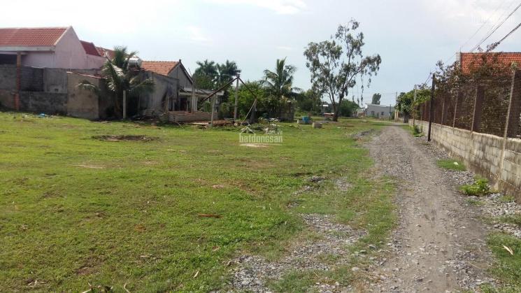 Bán đất sát mặt tiền đường 824, thị trấn Đức Hòa Đông, Đức Hòa,  Long An. 5x36m (180m2)