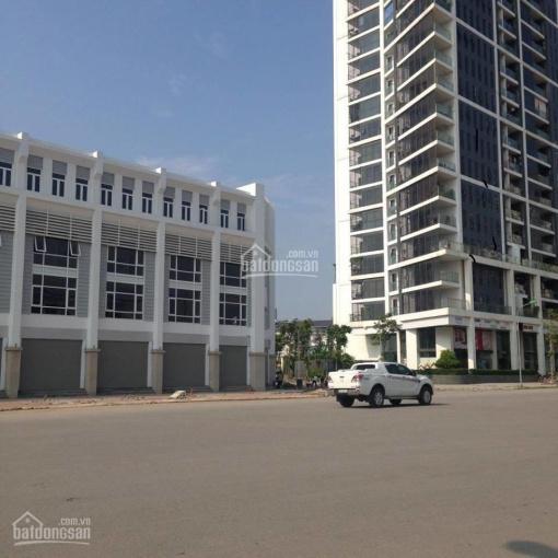 Cho thuê nhà phố Lê Văn Thiêm 93m2, lô góc 2 mặt tiền 11x8m, 45 triệu/tháng. LH: Ms Hoa 0388445576