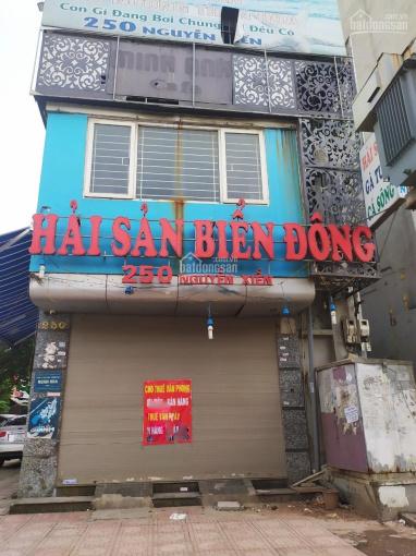 Cho thuê nhà mặt phố Nguyễn Xiển 60m2 x 3 tầng, MT 6m, thông sàn, giá 30 tr/tháng. (0976.075.019)