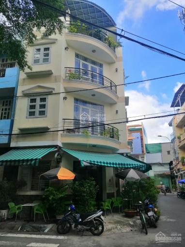 Cần bán căn nhà phố góc 2 mặt tiền, đường 110, Bà Hom, cách chợ Phú Lâm 500m thuận tiện ở, KD