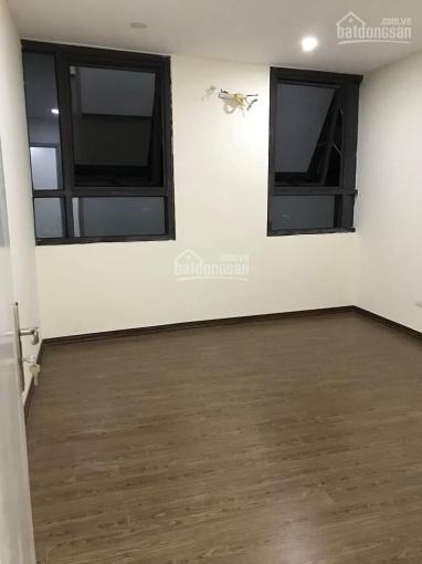 Tôi chính chủ 0979691189, bán gấp căn hộ tầng 20, DT 76.8m2, 2PN, 2WC, CC K35 Tân Mai, ở ngay