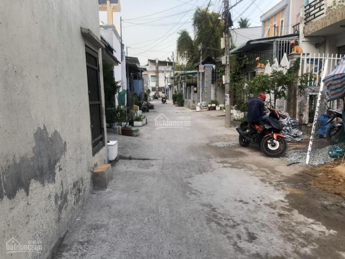 Bán nhà Thạnh Lộc 19, ngay Cầu Giao Khẩu, 1 trệt 1 lầu (4 x 10m) đường xe hơi, SHR