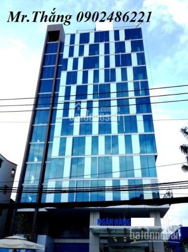 Bán nhà mặt tiền Cao Thắng, 14x15m, vuông vức. 220m2, giá 135 tỷ