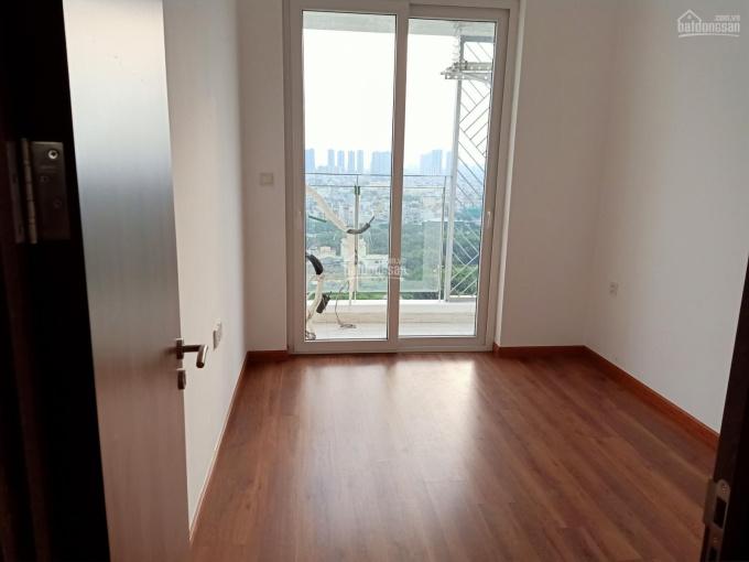 Nhượng lại nhiều căn hộ Golden Star giá rẻ hơn 200tr, tặng máy lạnh. LH 0938981929 Ngân
