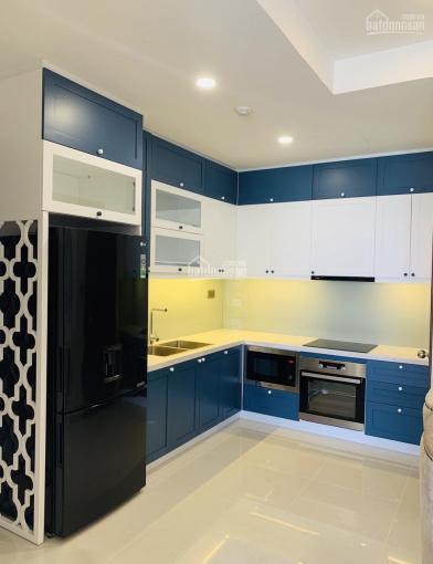 Cần cho thuê nhanh căn hộ 88m2 Saigon Royal quận 4 giá tốt. LH: 0909024895