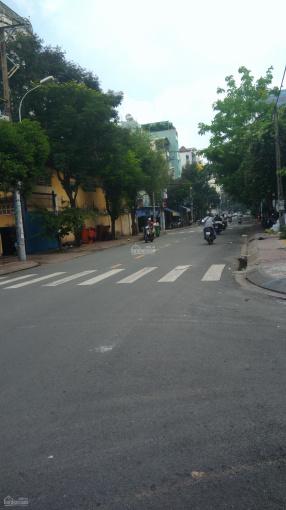 Bán nhà mặt tiền kinh doanh Lê Đình Thám, DT 4x18m, cấp 4 đang cho thuê 10tr