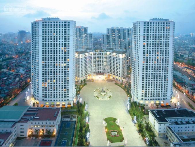 Chuyên bán các căn 2 phòng ngủ sáng, 3 phòng ngủ vip nhất Royal City, giá tốt. LH: 0961668985