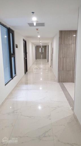 Chính chủ gửi bán căn 3PN, 98m2, tầng 19, Sky B, nhận nhà ngay, giá yêu thương. LH 0904460888