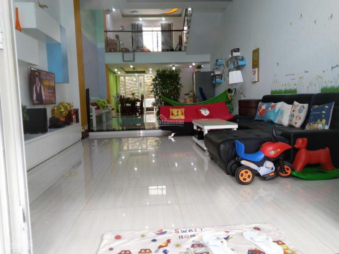 Nhà phố đẹp cho thuê để ở hoặc làm văn phòng + showroom 3,5 tầng, DTSD 300m2, LH 0908488338 ảnh 0