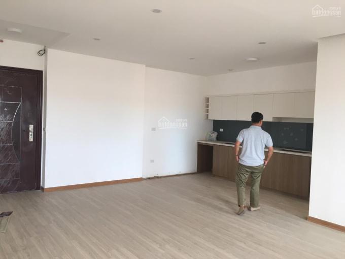 Bán căn hộ chung cư khu ĐTM Nghĩa Đô, Bắc Từ Liêm, HN. Diện tích 93m2, ban công ĐN, giá 3.15 tỷ