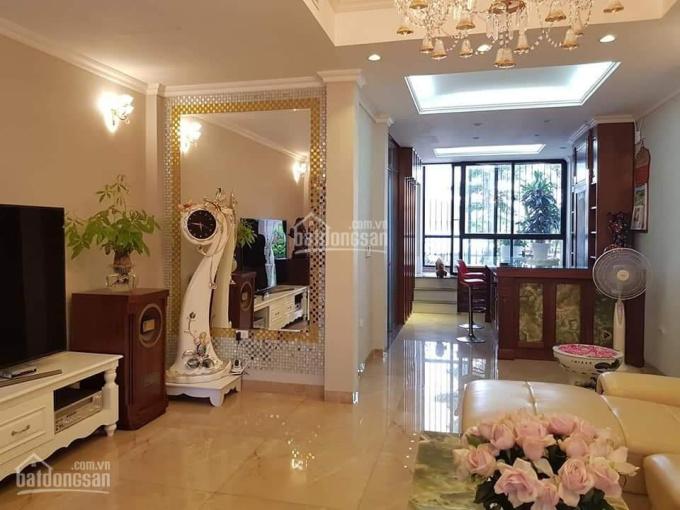 Bán nhà MP Trần Quốc Hoàn, KD rất tốt, 70m2 x 5 tầng, 18.5 tỷ