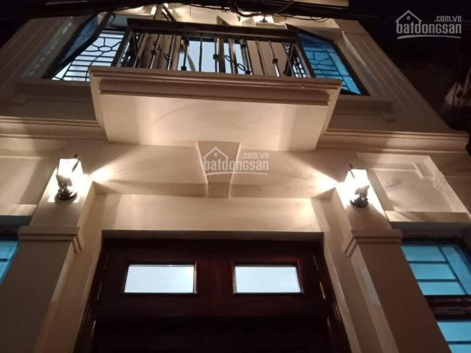 Bán nhà 3 tầng mặt phố Nghĩa Dũng 62m2, MT 5.1m, vỉa hè, KD, giá chỉ 8.7 tỷ. LH 0904627684