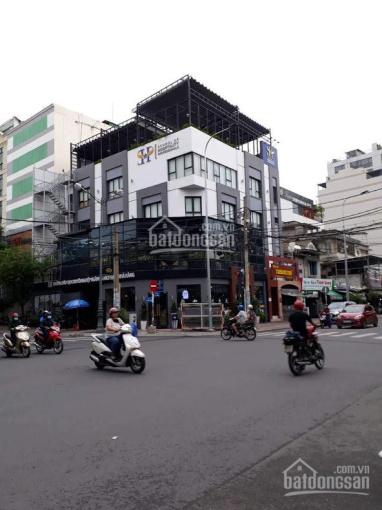 Cho thuê nhà góc Hai Bà Trưng, P. Đa Kao, Quận 1, 8x20m, 1 trệt 1 lầu, LH 0909444407