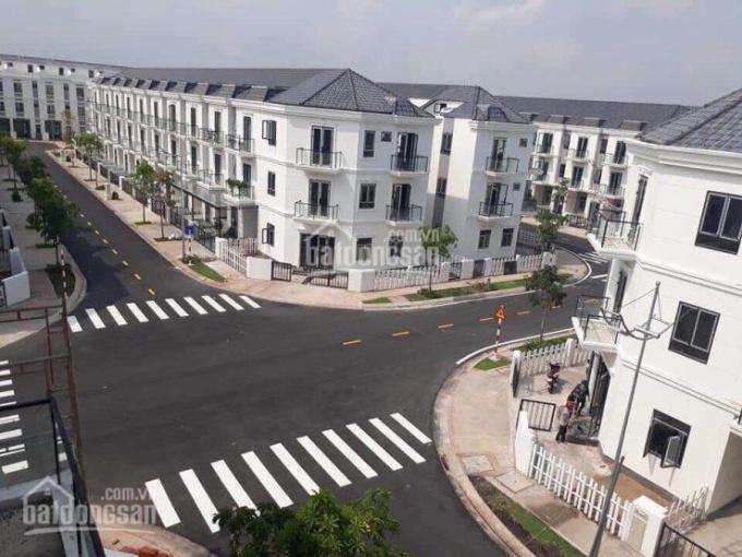 Chủ bán 2 căn nhà phố suất nội bộ Sim City, 5x16m, dãy N, Q, S, giá 4.227 tỷ/căn, LH: 0913656738