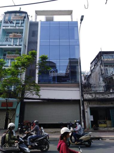 Cho thuê nhà chính chủ MT Nguyễn Thị Minh Khai, Q. 1, gần CMT8, 8x20m, 3 lầu, giá: 65 tr/th