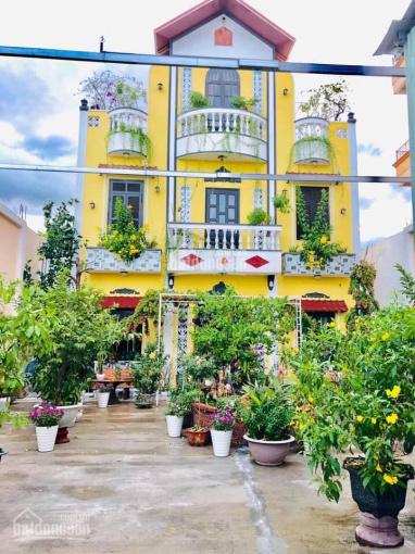 Biệt thự sân vườn Đà Nẵng, chính chủ cần bán để định cư sang Mỹ, LH 0967923764