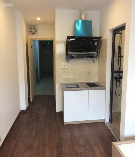 Chính chủ cho thuê căn hộ studio 28m2, đầy đủ đồ điều hòa giường tủ phố Hàm Long, cách hồ Gươm 400m ảnh 0