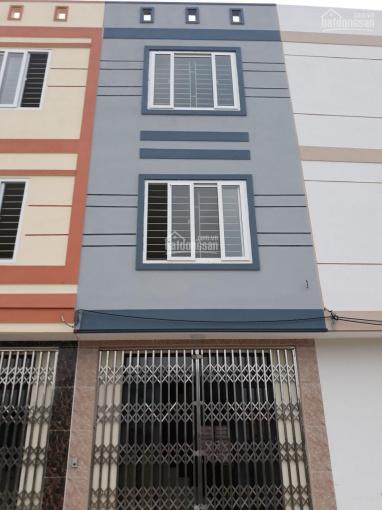 Bán nhà 31,8m2 x 3 tầng, thôn 1 Đông Dư, đường rộng 4m ô tô vào nhà, giá 1.5 tỷ