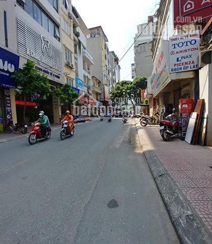 Cho thuê cửa hàng vuông vắn MP An Trạch, ngay ngã 3 Cát Linh - An Trạch, quận Đống Đa, DT 68m2