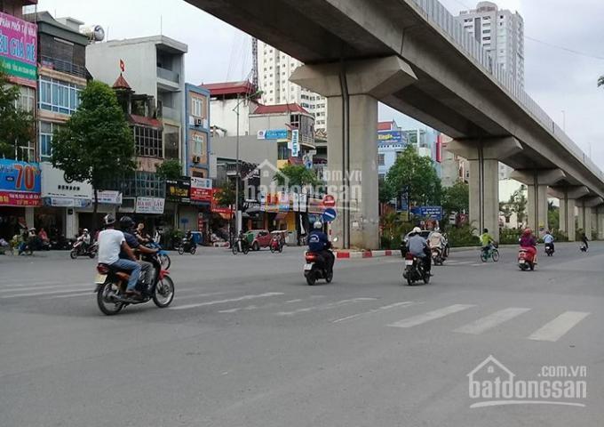 Bán nhà mặt phố Nguyễn Trãi - Cạnh Royal - 52m2, MT 5m kinh doanh sầm uất - Chỉ 11 tỷ - 0965528786