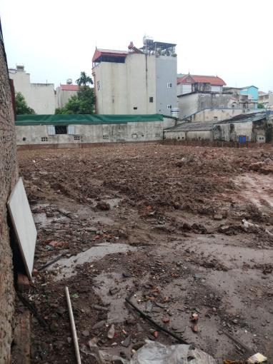Cho thuê kinh doanh 1200m đất mặt phố đường Võ Chí Công. Có nhà cấp 4 ở cùngLH chính chủ 0948224268