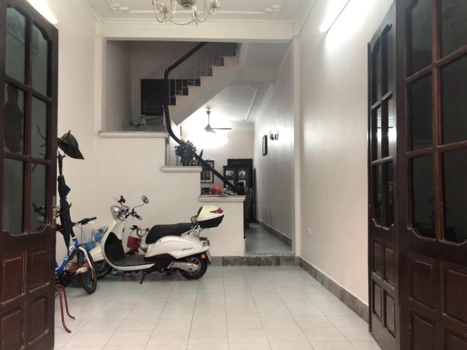 Cho thuê nhà riêng phố Nguyên Hồng, thuận lợi kinh doanh, mở văn phòng - LH: 0934453689