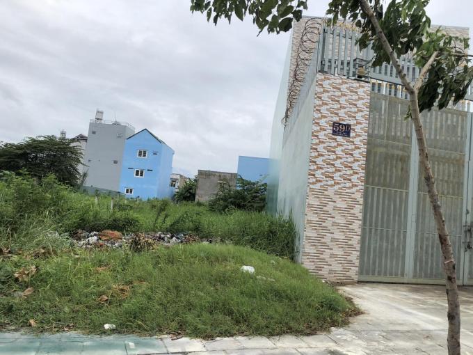 Cần cho thuê đất 100% thổ cư, mặt tiền đường Võ Văn Kiệt. LH: 0949297021
