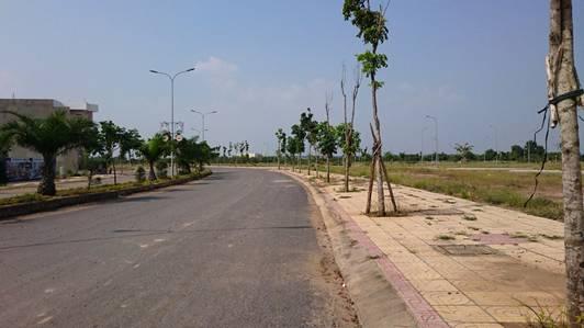 Kẹt tiền bán gấp lô đất KDC Bình Điền, Q.8, SHR, XDTD, giá 2.1tỷ, dân cư đông. LH 0936857349 Lộc